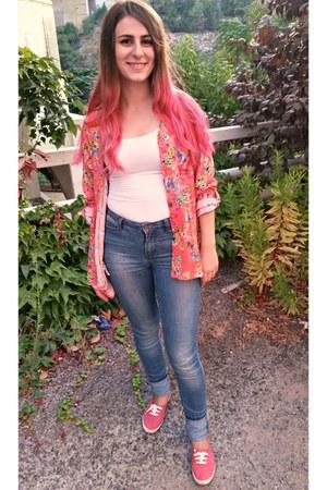 floral Promod shirt - Vero Moda jeans - H&M sneakers