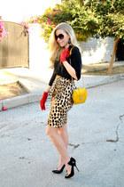 Zara skirt - H&M gloves