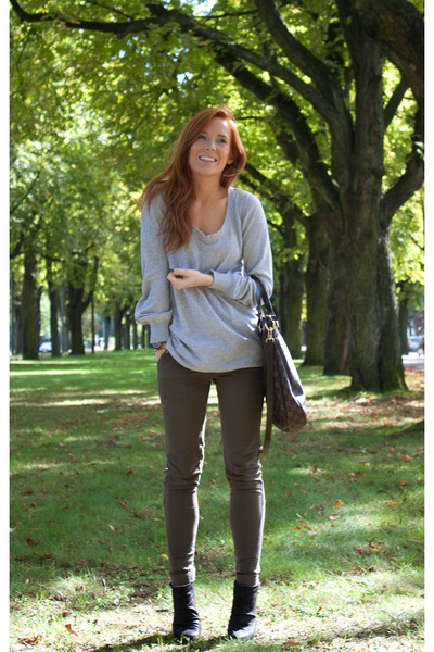 gray H&M jumper - black Zara boots - green River Island jeans