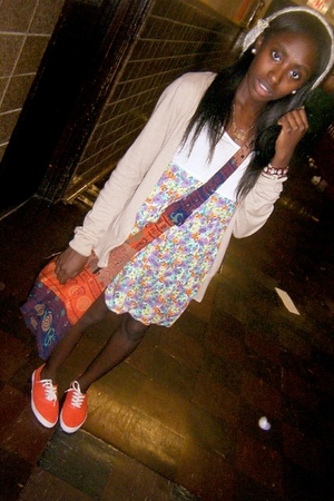 purse - Forever21 dress - Urban Outfitters shoes - Old Navy sweater