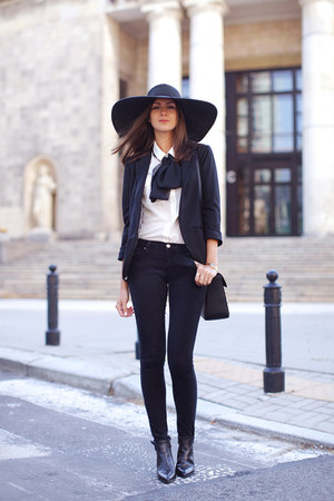black reserved hat - black Zara boots - black VJ-style blazer