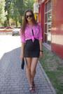 Black-vila-dress-hot-pink-vintage-shirt-black-asos-bag