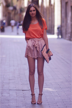 nude Solilor shorts - nude asos bag - carrot orange Solilor top