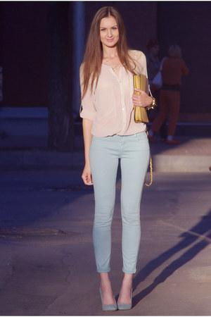 light blue Stradivarius jeans - nude VJ-style shirt - tan OASAP bag