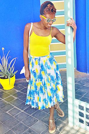 yellow mirrored sunglasses - white bag - yellow vest - blue pleated skirt