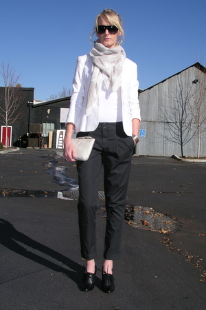 white Gap purse - black Ellen Tracy shoes - white Theory blazer