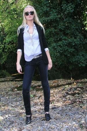 blue Forever 21 shirt - black Ellen Tracy shoes - blue Hudson jeans
