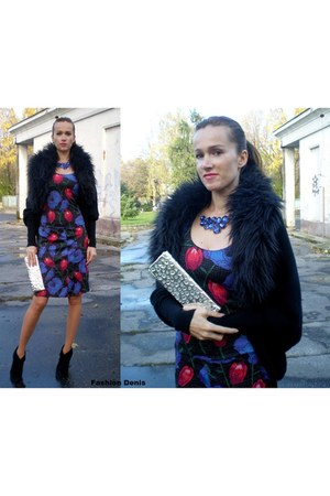Denisa R - My work skirt - Colin Stuart boots - La Ragale purse - Denisa R