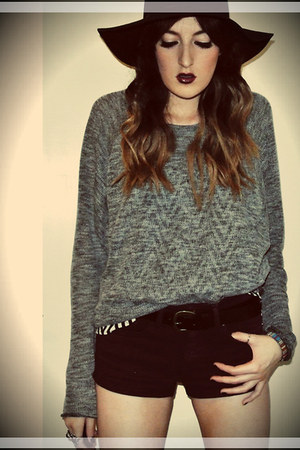 heather gray Topshop jumper - black new look hat - crimson Topshop shorts