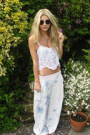 tie dye River Island pants - H&amp;M sunglasses