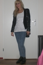 Oasis blazer - H&M t-shirt - Primark jeans - Zara accessories - Sacha boots