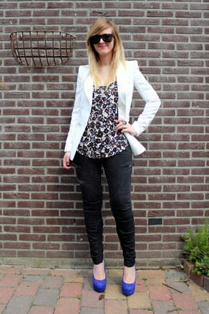 white white Zara blazer