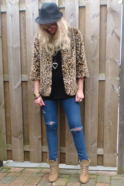 beige H&M jacket - black H&M shirt - blue DIY jeans - beige Zara boots - gold ca