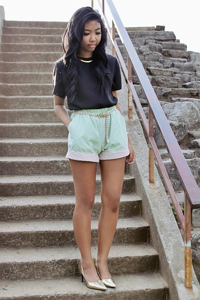 lime green lace shorts - black chiffon top - gold metallic Story heels