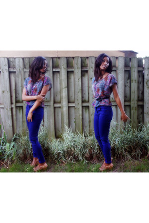 blue skinny pants H&M pants - brick red crop top Target blouse
