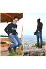 Black-dr-martens-boots-blue-zara-jeans-black-beannie-h-m-hat
