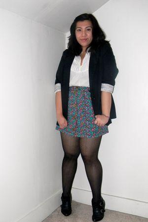 navy blue blazer and black skirt