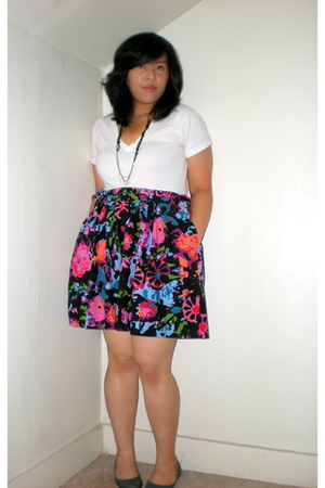 Old Navy t-shirt - Urban Outfitters necklace - Thakoon for Target skirt - Urban