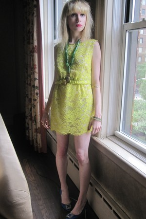 lime green lace moschino cheap & chic dress - chartreuse bead vintage necklace -