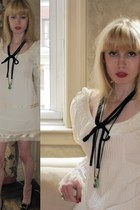 ivory lace vintage fred leighton dress - black bow vintage necklace - chartreuse