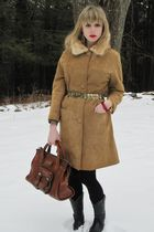 beige vintage coat - gold belt - gold earrings - red vintage bracelet - gold vin