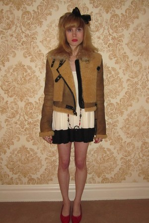tawny shearling 31 Phillip Lim jacket - black headband H&M hat