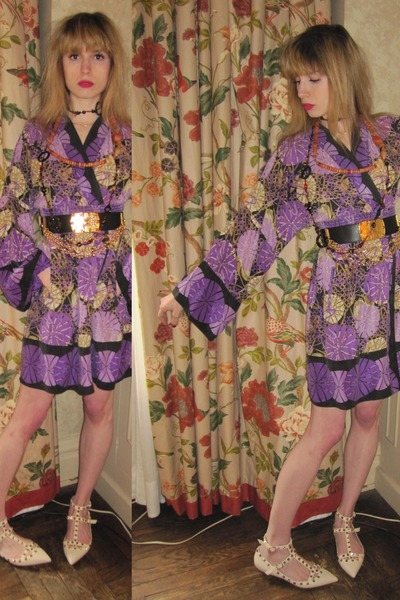 amethyst silk Pinkerton dress - light brown wood vintage necklace - black vintag