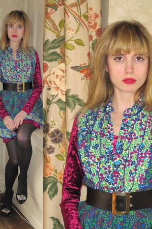 blue flower Anna Sui dress - maroon velvet Forever 21 dress - black buckle vinta