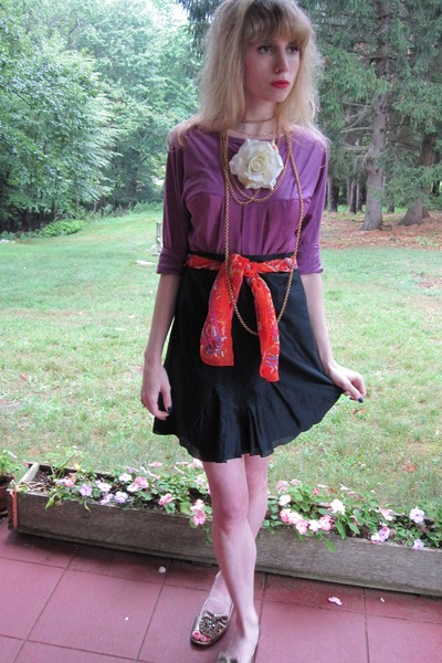 purple Logo Instant Chic cardigan - black Armani collezioni skirt - orange Vinta