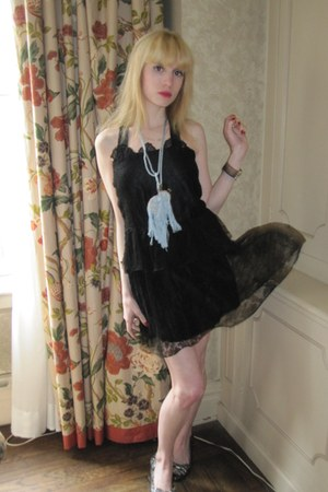black lace vintage dress - periwinkle Blank bag - sky blue cameo vintage bracele