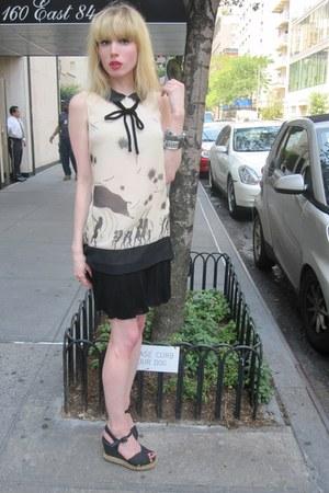 ivory pascale Jill Stuart dress - black bow vintage necklace