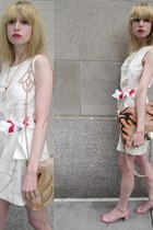 ivory linen 31 Phillip Lim dress - eggshell flower Vintage Gap scarf - peach lea