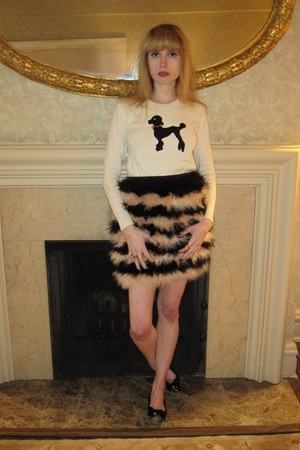eggshell sasha poodle milly sweater - gold bird Urban Outfitters ring - tawny fe