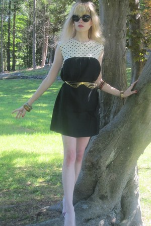 black polka dot vintage dress - black heart Urban Outfitters sunglasses - gold c