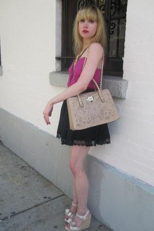 peach lace Valentino bag - black pleated Twenty8Twelve skirt - gold chain vintag