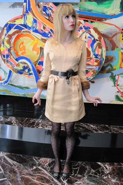 beige vintage lily salet dress - black Vintage Ralph Lauren belt - black America