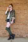 Black-combat-target-boots-army-green-camouflage-vintage-jacket