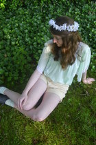 white flower crown DIY accessories