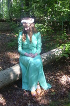 turquoise blue vintage dress - white daisy crown DIY accessories
