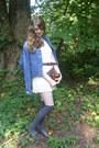 Brown-camera-vintage-bag-white-lace-oasap-dress