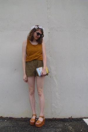 light orange tank Forever 21 top - black heart giant vintage sunglasses