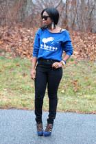 vintage sweatshirt - madewell jeans - Elizabeth & James sunglasses