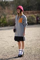H&M Trend sweater - Vintagestore hat - COS skirt