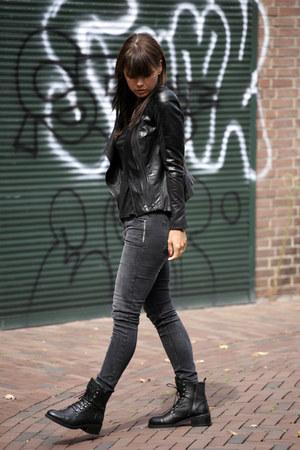 nubikk boots - Five Units jeans - Shoptiques jacket