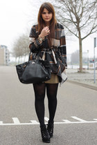 Chicwish coat - romwe boots
