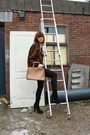 Queens-wardrobe-cardigan-vintage-glasses-zara-boots-vintage-purse