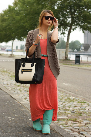 VJ-style bag - AUKOALA boots - Only dress