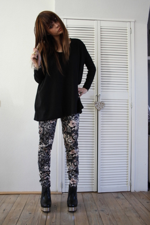 Zara leggings - acne boots - H&amp;M sweater