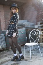 vintage shoes - modcloth jumper