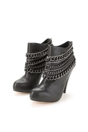 black Dolce Vita boots